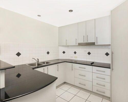 alexandra-headlands-1-and-2-bedroom-accommodation-level-5 (7)