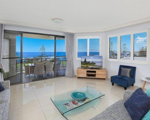 alexandra-headlands-superior-ocean-view-apartment-(3)