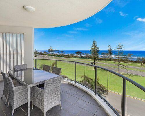 alexandra-headlands-superior-ocean-view-apartment-(4)